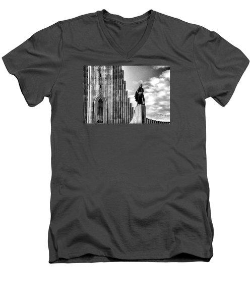 The Leader Of Light Men's V-Neck T-Shirt