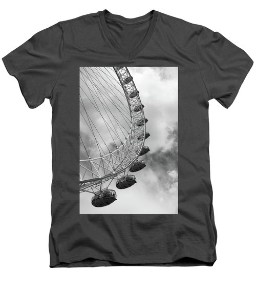 The London Eye, London, England Men's V-Neck T-Shirt