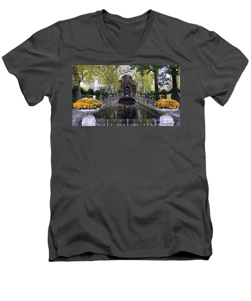 The Medici Fountain At The Jardin Du Luxembourg In Paris France. Men's V-Neck T-Shirt
