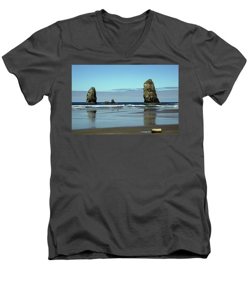 The Needles, Cannon Beach, Or Men's V-Neck T-Shirt