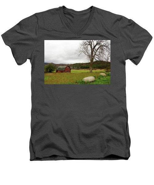 The Old Barn With Tree Men's V-Neck T-Shirt
