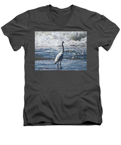 Egret And The Waves Men's V-Neck T-Shirt
