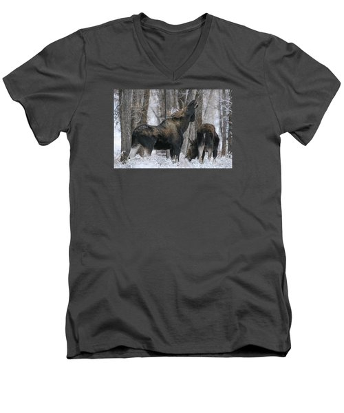 Men's V-Neck T-Shirt featuring the photograph The Rut by Gary Hall