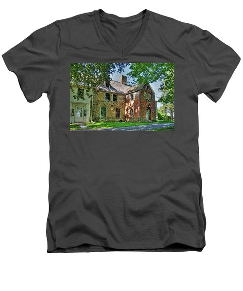 The Spencer-peirce-little House In Spring Men's V-Neck T-Shirt