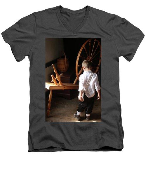 The Spinning Wheel Men's V-Neck T-Shirt