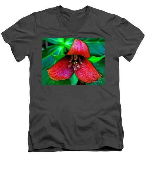 Men's V-Neck T-Shirt featuring the photograph The Trillium by Elfriede Fulda