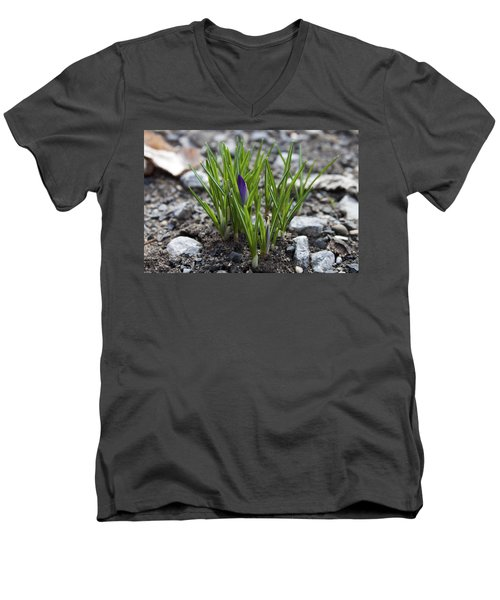 Men's V-Neck T-Shirt featuring the photograph The Wait by Jeff Severson