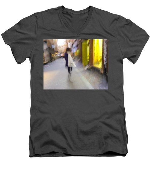 The White Scarf Men's V-Neck T-Shirt