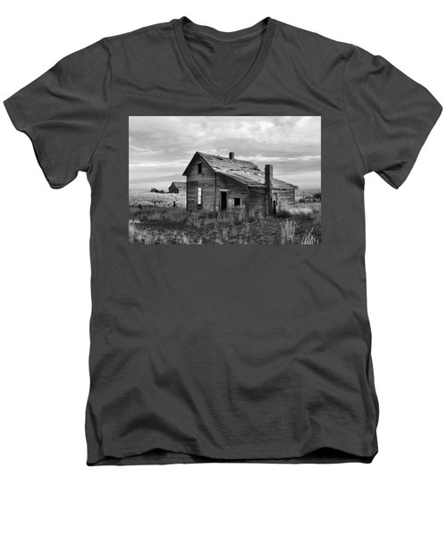 Men's V-Neck T-Shirt featuring the photograph This Old House by Jim Walls PhotoArtist