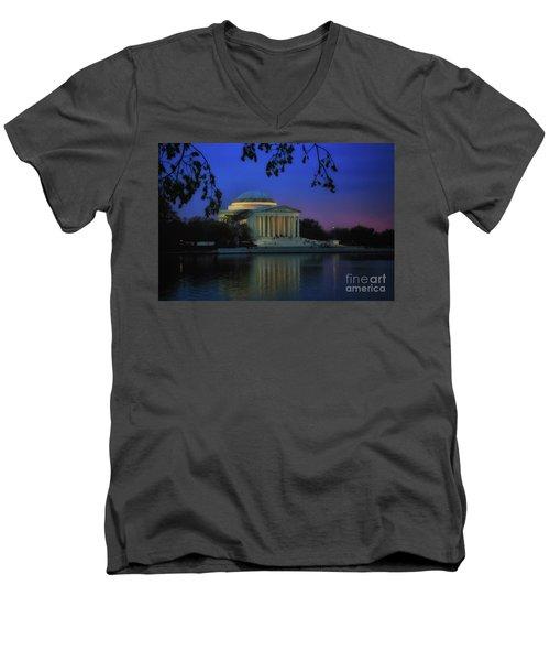 Thomas Jefferson Memorial Sunset Men's V-Neck T-Shirt