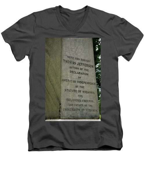 Thomas Jefferson Tombstone Close Up Men's V-Neck T-Shirt
