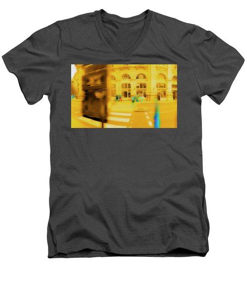 Threadneedle Street Men's V-Neck T-Shirt