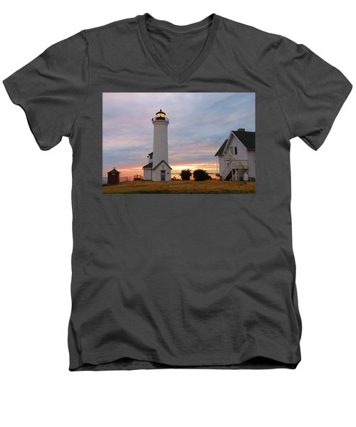 Tibbetts Point Lighthouse, July Sunset Men's V-Neck T-Shirt