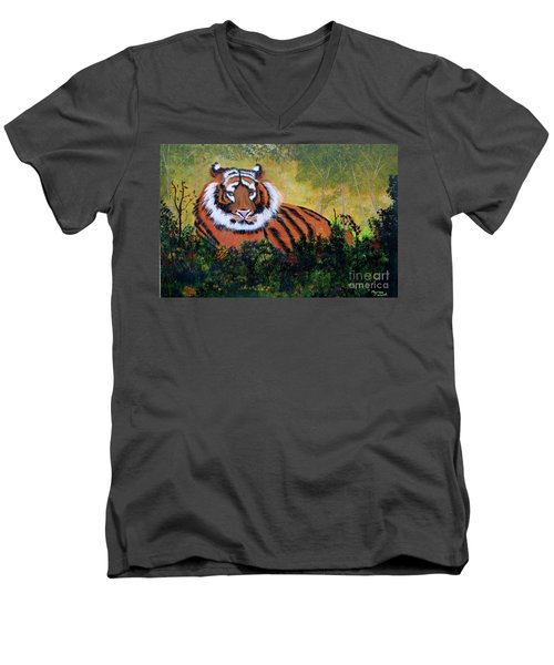 Tiger At Rest Men's V-Neck T-Shirt