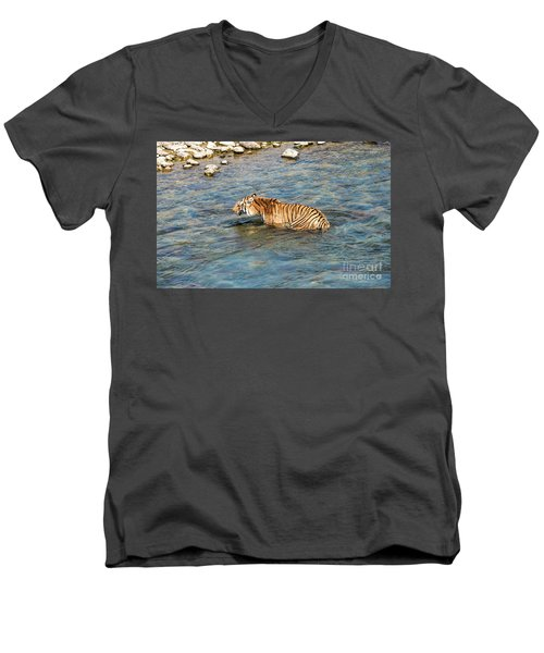 Tiger In The Water Men's V-Neck T-Shirt