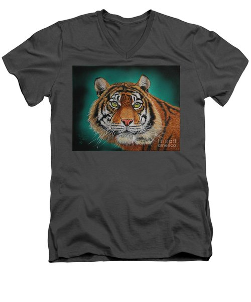 Tiger Portrait......amur Tiger Men's V-Neck T-Shirt