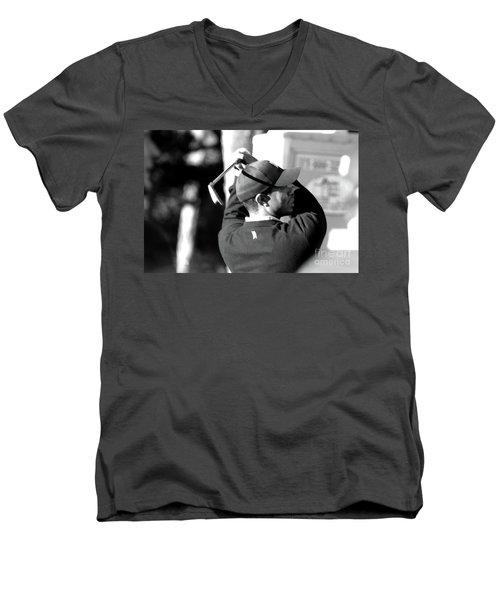 Tiger Woods Blk Wht  Men's V-Neck T-Shirt
