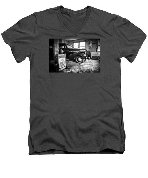 Old Car - Blue Ridge Mountains Men's V-Neck T-Shirt