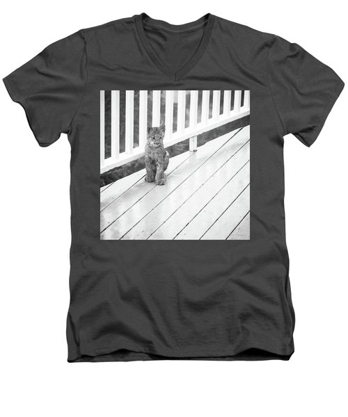 Time Out Bw Men's V-Neck T-Shirt