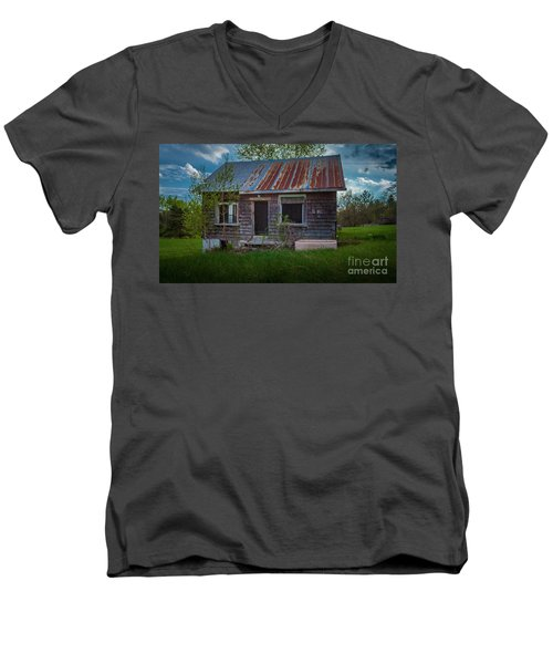 Tiny Farmhouse Men's V-Neck T-Shirt