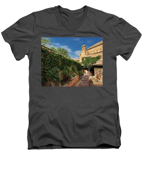 Toledo Courtyard Men's V-Neck T-Shirt