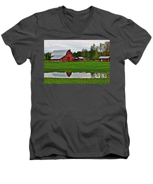 Tom And Sylvia's Men's V-Neck T-Shirt