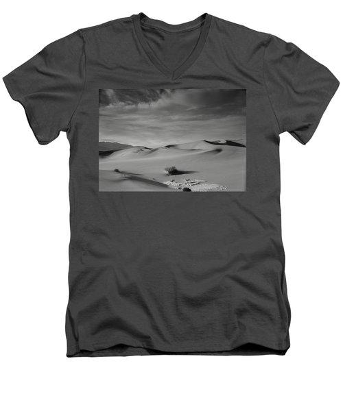 Tones Of Mesquite Men's V-Neck T-Shirt