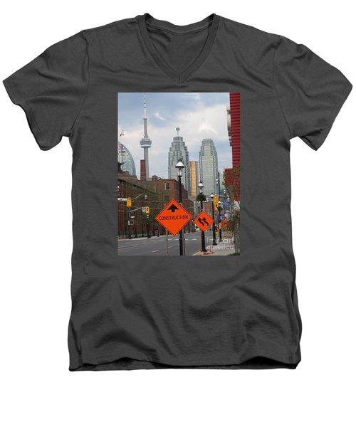 Toronto Skyline Men's V-Neck T-Shirt