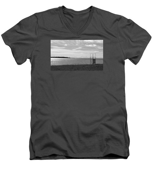 Men's V-Neck T-Shirt featuring the photograph Toronto Winter Beach by Valentino Visentini