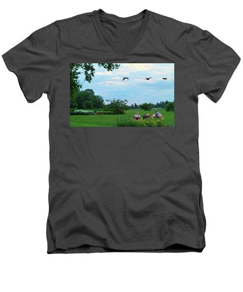 Touring New England Men's V-Neck T-Shirt