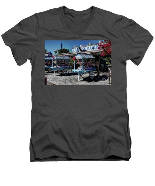 Tourist Souvenir Shell Carts Men's V-Neck T-Shirt