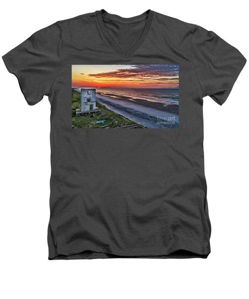 Tower Sunrise Men's V-Neck T-Shirt
