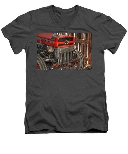 Tractor Grill  Men's V-Neck T-Shirt