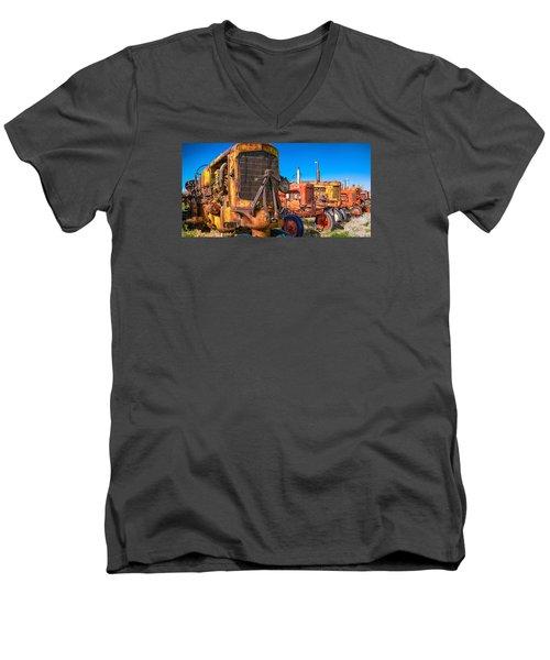 Tractor Supply Men's V-Neck T-Shirt