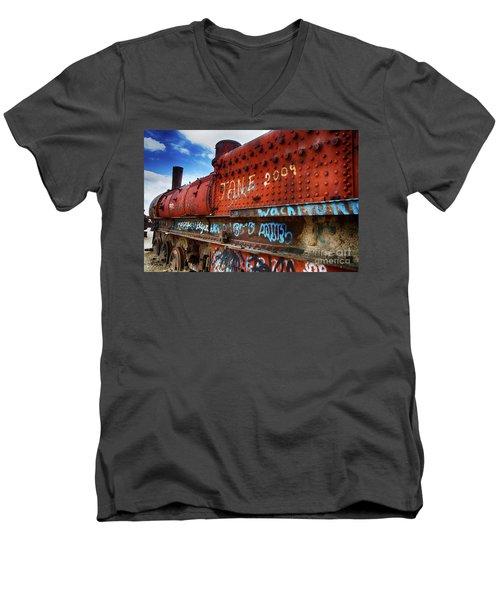 Train Graveyard Uyuni Bolivia 17 Men's V-Neck T-Shirt