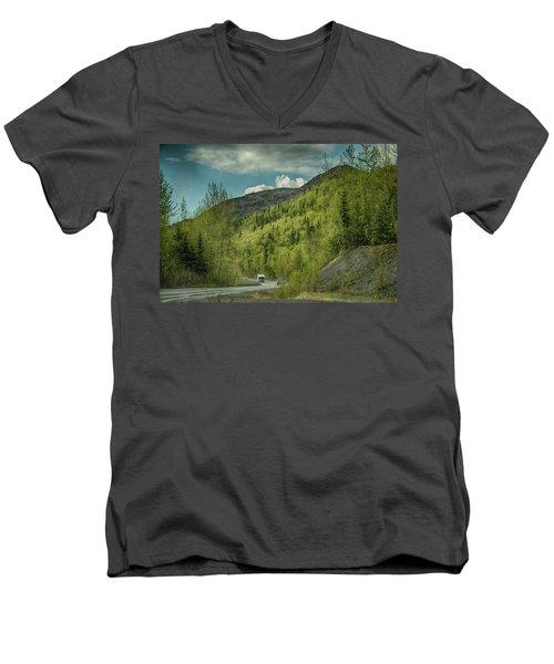 Traveling Alaska   Men's V-Neck T-Shirt