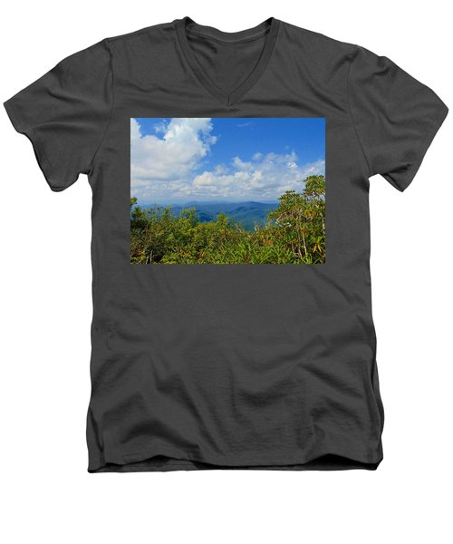 Tray Mountain Summit - South Men's V-Neck T-Shirt