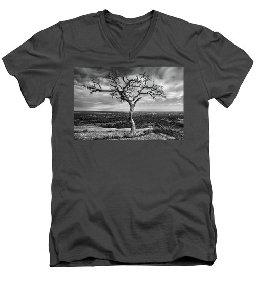 Tree On Enchanted Rock In Black And White Men's V-Neck T-Shirt