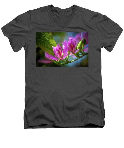 Tropical Line Dance Men's V-Neck T-Shirt