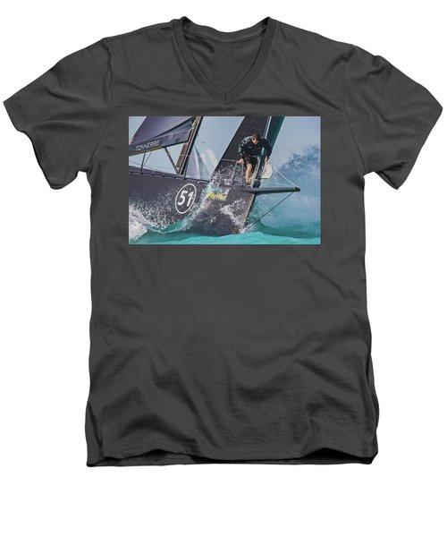 Regatta Action Men's V-Neck T-Shirt