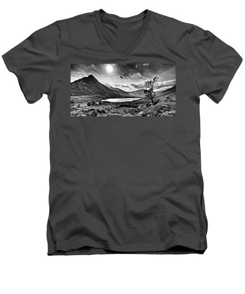 Tryfan And Llyn Ogwen Men's V-Neck T-Shirt