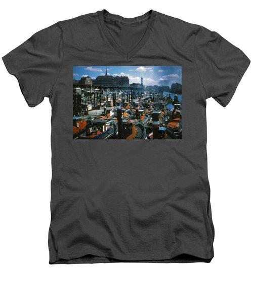 Tugs - Hamburg Men's V-Neck T-Shirt