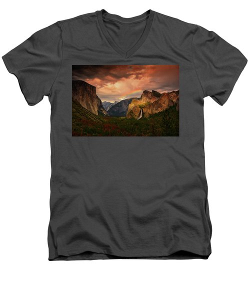 Tunnel View Rainbow Men's V-Neck T-Shirt