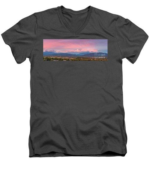 Twilight Panorama Of Sangre De Cristo Mountains And Santa Fe - New Mexico Land Of Enchantment Men's V-Neck T-Shirt