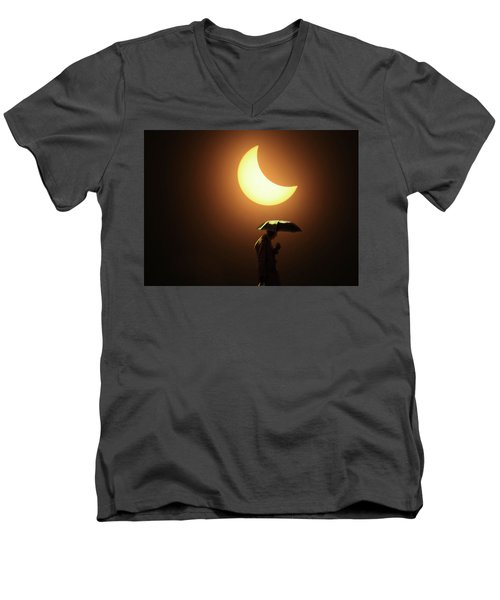 Umbrella Man Eclipse Men's V-Neck T-Shirt