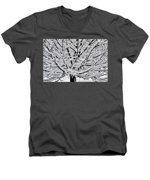 Unbelievable Tree Men's V-Neck T-Shirt