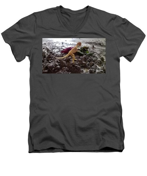 Uncovered Dinosaur Bones Yet Never One Slave Ship Found And It's 2017 Men's V-Neck T-Shirt