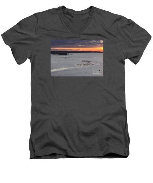 Undercurrents Casco Bay Men's V-Neck T-Shirt