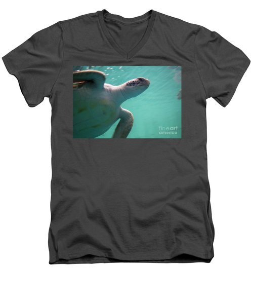 Underwater Race Men's V-Neck T-Shirt