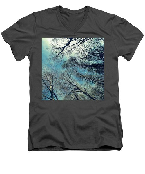 Men's V-Neck T-Shirt featuring the photograph Up by Tammy Schneider